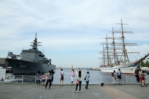 掃海母艦うらが & 帆船日本丸 第34回 横浜開港祭 新港埠頭