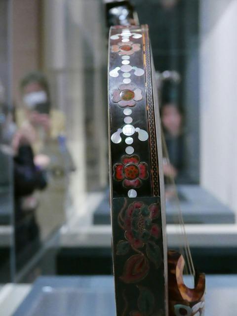 模造 螺鈿紫檀阮咸 御即位記念特別展 正倉院の世界