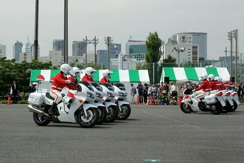第67回 東京みなと祭 警視庁女性白バイ隊 クイーンスターズ