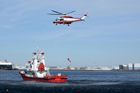JA152Y AW139 消防艇よこはま 横浜消防出初式 航空救助訓練
