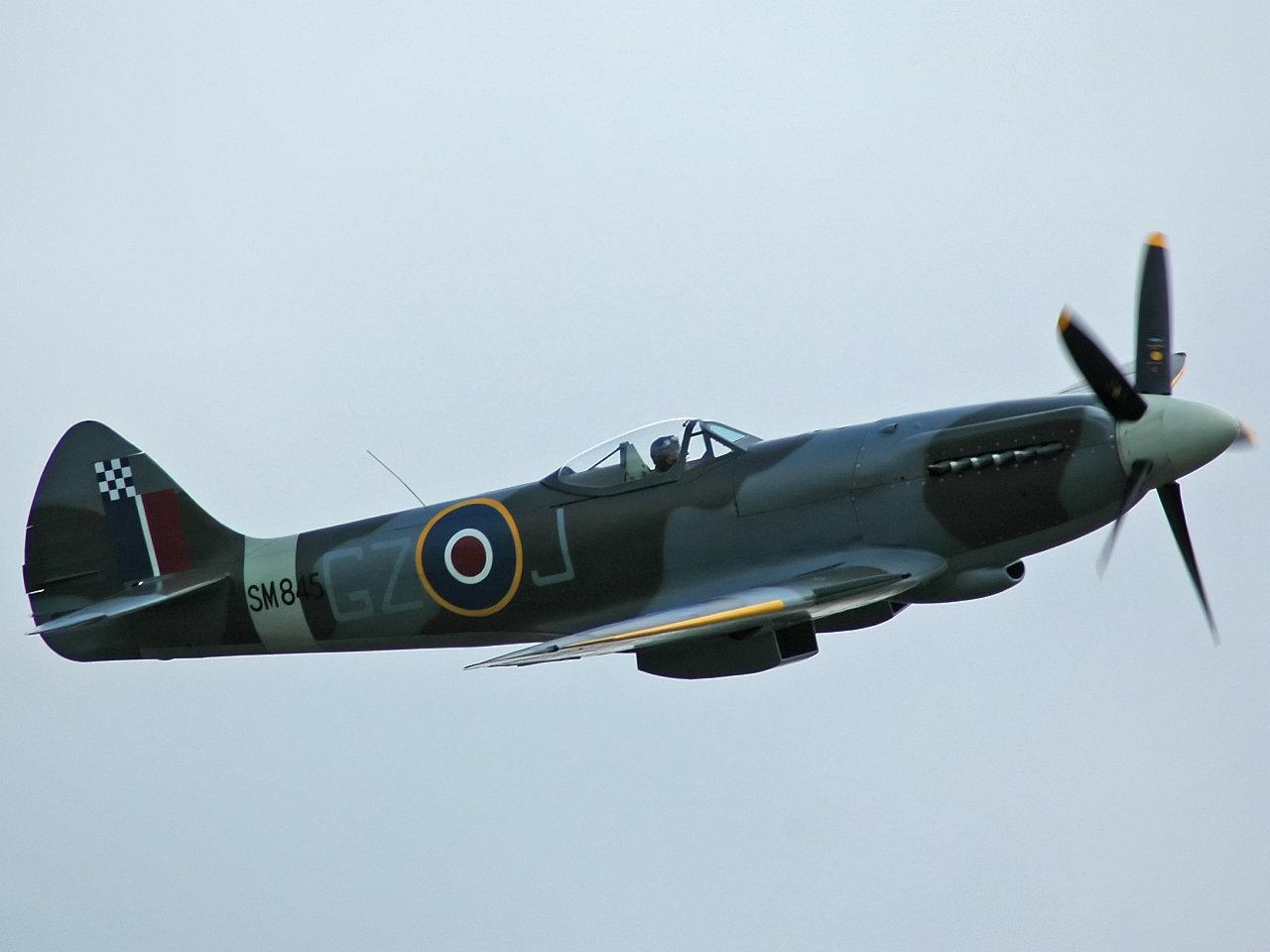 Spitfire_F_XVIII_SM845