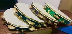 パンデイロとタンバリン、キチンとそれぞれの奏法を学んで頂きたく。