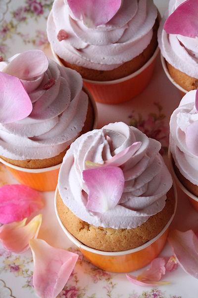 rose-cupcakes5.jpg
