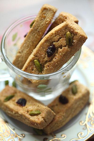 pistachio-shortbread4.jpg