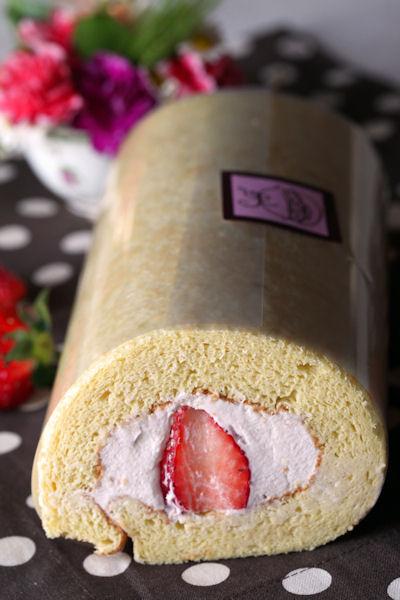 sakura-fraise-roll3