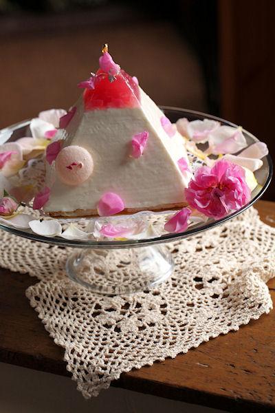 rose-pyramid9