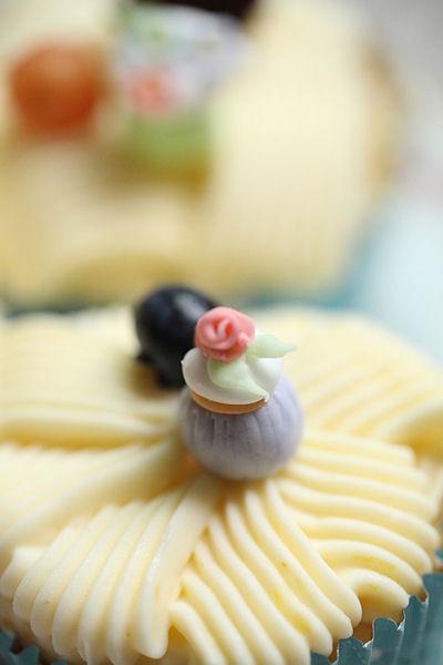 lemony-cupcakes4.jpg