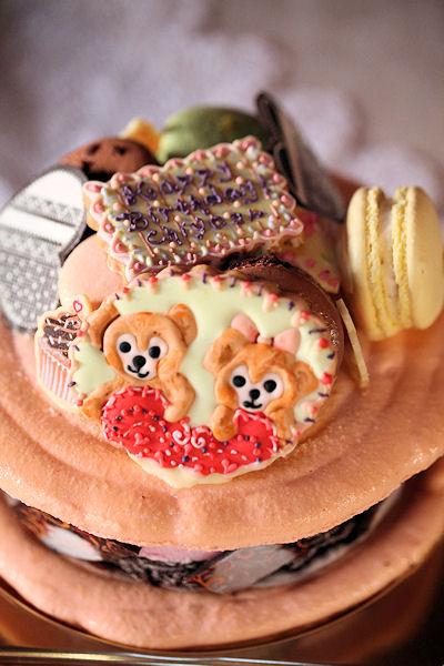 teddy-macaron-cake.jpg