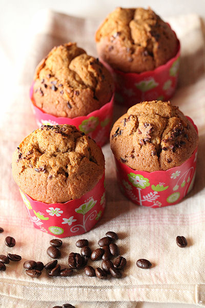 cafe-hazelnut-cakes.jpg