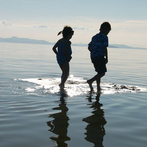 walking-on-water-209779_640
