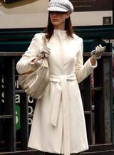 白いコート立て
