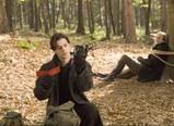 森の中でホホ肉を串刺し