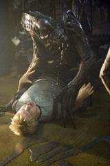 プレデリアンが人間を襲うたて