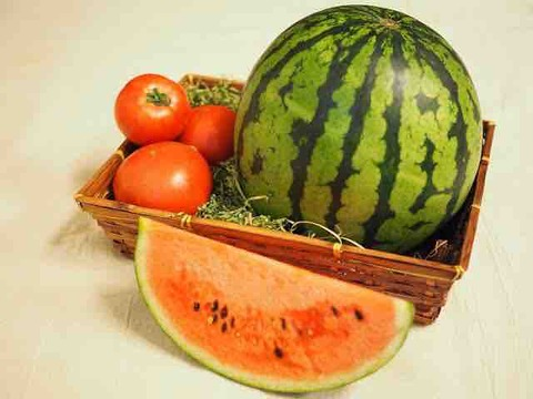 夏はスイカとトマトと塩分と。