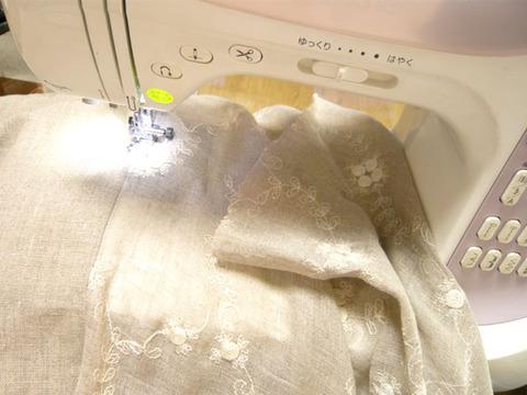 ローズ刺繍入りのリネン生地でお裁縫 0001