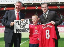 Wayne-Rooney-signs-for-Manchester-United