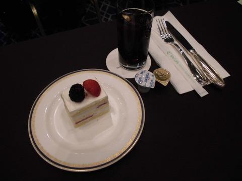 08アイスコーヒーとケーキ
