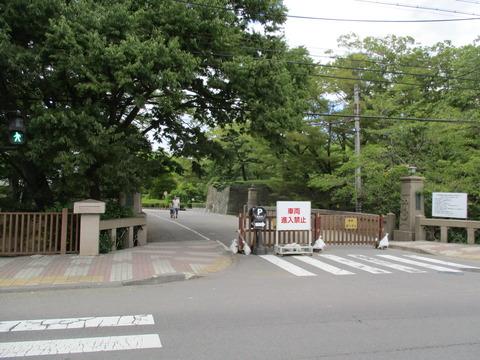 110上田城址公園へ