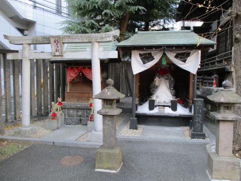 40塩かけ地蔵尊・稲荷社
