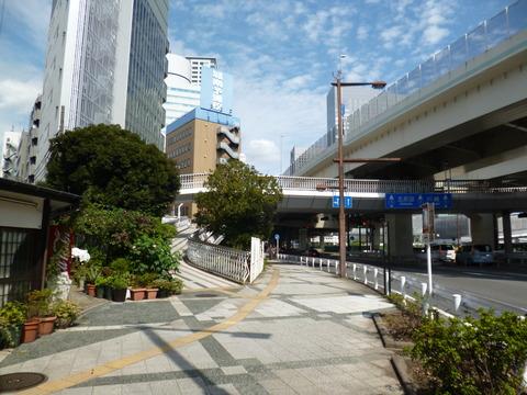 32歩道橋1