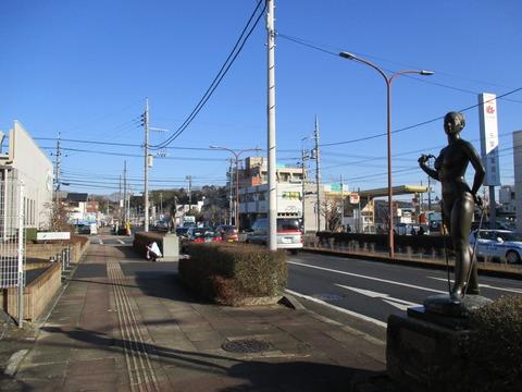 03-2彫刻通り