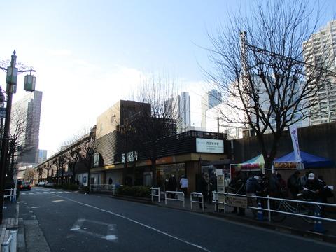 02西武新宿駅