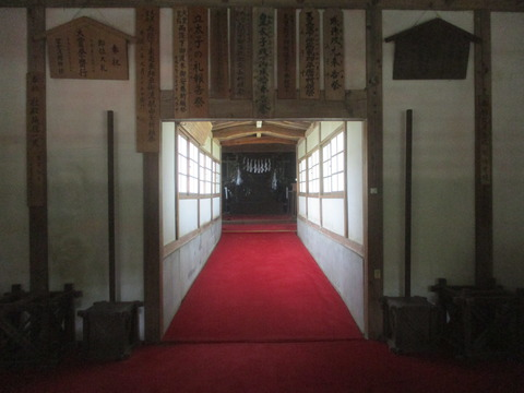 158拝殿3