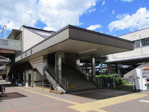 67桶川駅階段
