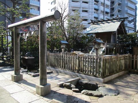 76厳島神社3