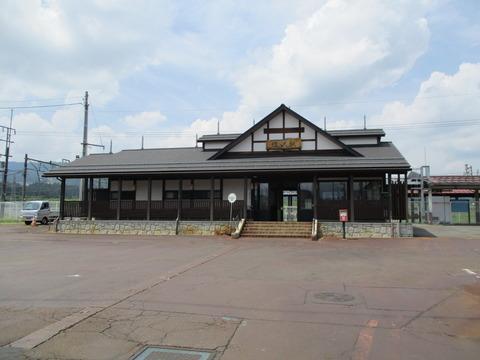 166塩沢駅