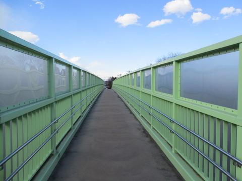 124歩道橋2