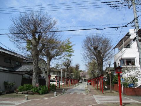 27須賀神社参道3
