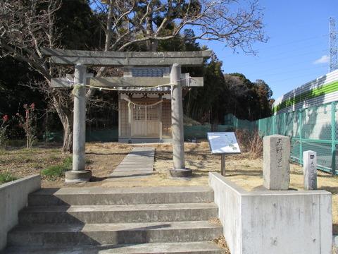 102天神道の道しるべ1