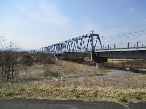 133多摩川河川敷1