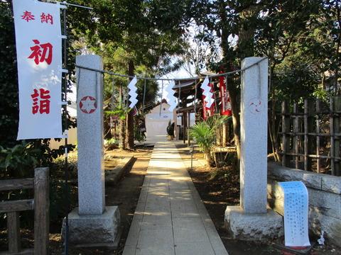151麻賀多神社裏