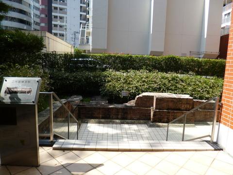 25二代目横浜駅基礎等遺構2