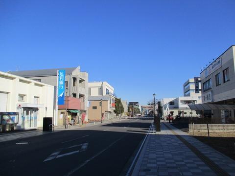 04-2駅前の道