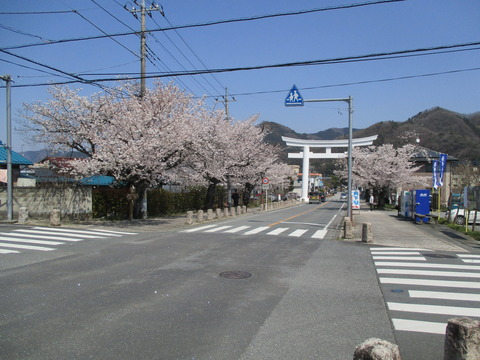 167宝登山神社参道5