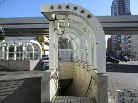 54地下横断歩道1