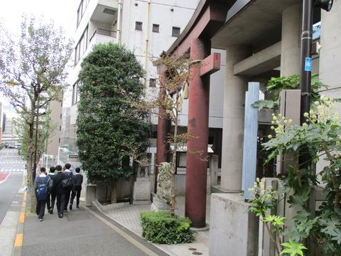 77築土神社1