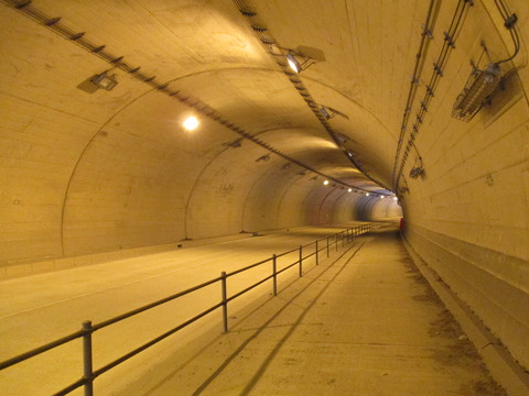 43久森トンネル3