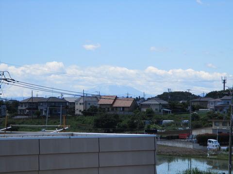 57富士山見えず