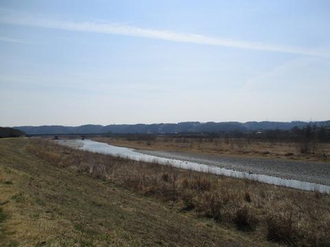 136多摩川河川敷4