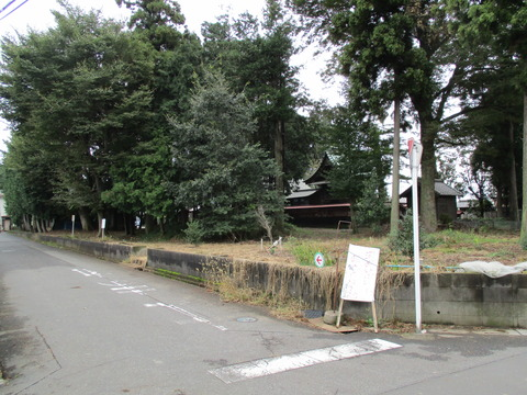 80篠津久伊豆神社の前に