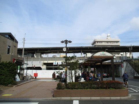 03平井駅南口