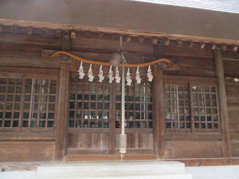 198拝殿3