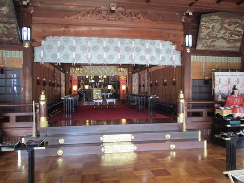 43拝殿3