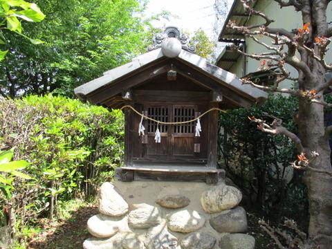 90稲荷神社3