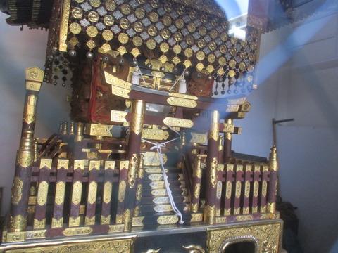 156神楽殿の中