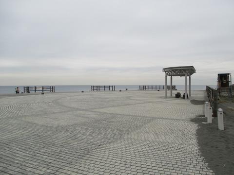 122茅ヶ崎漁港海岸公園3